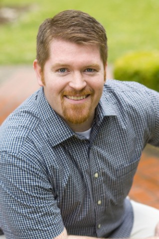 Photo of author Brent Weeks.