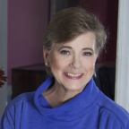 Photo of author Lynn Slaughter. photo credit joy bauer