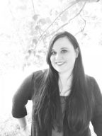 Author photo of Carissa Ann Lynch.